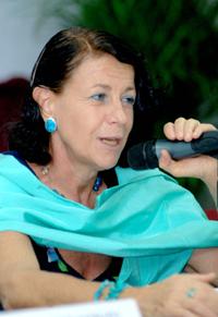 Rafaela Schiavon Ermani, directora general de IPAS- México, dijo que entre 2000 y 2005, más de cuatro mil niñas de entre diez y catorce años fueron hospitalizadas  por abortos en México.