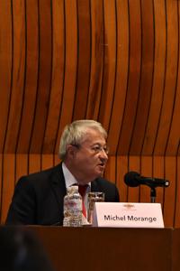 Doctor Michel Morange, del Laboratorio Europeo de Biología Molecular.