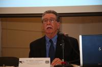 Doctor Carlos Vélez Ibáñez, Regents' profesor y director fundador emérito de la Escuela de Estudios Transfronterizos de la Universidad Estatal de Arizona.