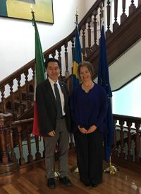 Excma Sra. Annika Thunborg, embajadora de Suecia en México y Dr. Jaime Urrutia Fucugauchi, presidente de la Academia Mexicana de Ciencias, en reunión en el marco del lanzamiento de la convocatoria del Premio Nacional Juvenil del Agua 2017.