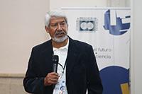 El doctor José Luis Morán, presidente de la Academia Mexicana de Ciencias, da la bienvenida a los más de los veinte participantes a la cuarta edición de la reunión académica Construyendo el futuro. Encuentros de ciencia, que tuvo lugar en Xochitepec, Morelos los días 3 y 4 de diciembre.