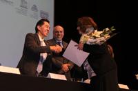 Jaime Urrutia, presidente de la Academia Mexicana de Ciencias y el doctor Enrique Cabrero, director general del Conacyt durante la ceremonia de entrega de las Becas para las Mujeres en la Ciencia L´Oréal-Unesco-Conacyt-AMC 2016.