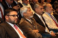 En la imagen: Al centro, José Luis Morán, presidente de la Academia Mexicana de Ciencias, y a su izquierda el doctor José Mustre de León, director del Cinvestav, invitados especiales en la ceremonia del 52 Aniversario de Instituto Mexicano del Petróleo.