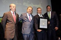 José Antonio González Anaya, director general de Pemex; Pedro Joaquín Coldwell, secretario de Energía; Ernesto Ríos Patrón, director general del IMP, entidad autorizada para usar el logotipo