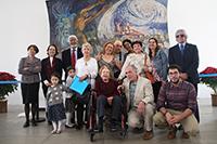 El Consejo directivo de la Academia Mexicana de Ciencias e integrantes de las familias Barra y Russek.