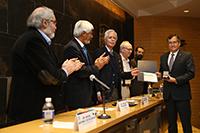 Doctor Alejandro Corichi, ganador de la Medalla Marcos Moshinsky.