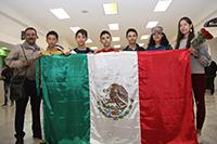 Acompañados por su mentor, los integrantes de la delegación que representó a México en la Olimpiada Rioplatense de Matemáticas 2018 en Buenos Aires, Argentina, de la que nuestros estudiantes se trajeron cinco medallas: una de oro, una de plata y tres de bronce. El certamen a nivel nacional lo coordina la Academia Mexicana de Ciencias.