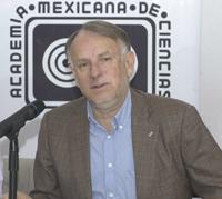 El Dr. Arturo Menchaca Rocha, presidente de la Academia Mexicana de Ciencias (AMC).