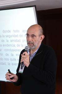 Doctor Luiz Orozco, investigador del Departamento de Física en la Universidad de Maryland y  miembro correspondiente de la Academia Mexicana de Ciencias (AMC).