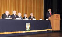 'El bosón de Higgs es un descubrimiento estadístico' explicó José Franco, presidente de la Academia Mexicana de Ciencias, al destacar la importancia de la estadística en la ciencia. En la mesa de honor los doctores Ronald Wasserstein, José Narro,  Eduardo Sojo, Guillermo Zárate e Ignacio Méndez.