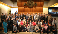 En la celebración para conmemorar el vigésimo quinto aniversario del Programa Olimpiadas de la Academia Mexicana de Ciencias, asistieron, coordinadores nacionales, delegados estatales y 'exolímpicos', que rodearon a los integrantes de la mesa de honor para esta ceremonia.