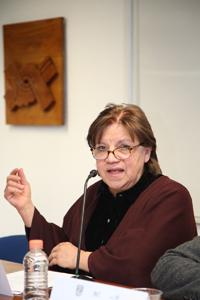 """Doctora Ana Rosa Pérez Ransanz, en su participación en el Seminario de Investigación sobre Sociedad del Conocimiento y Diversidad Cultural dictó la conferencia """"Una defensa del pluralismo ontológico en las ciencias""""."""