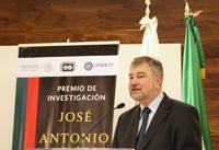 La Conquista de México, la Cristiada y Alemania, y la historia de la radiotelegrafía en México, son los proyectos que tiene considerado trabajar el historiador alemán Stefan Rinke, tras ganar el Premio de Investigación Antonio Alzate. El primero de ellos, un libro escrito en alemán, está previsto concluirlo en el próximo otoño.