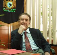 El doctor Felipe Lara Rosano, investigador del centro de Ciencias de la Complejidad de la UNAM y miembro de la Academia Mexicana de Ciencias.