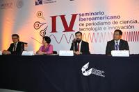 Presidieron la ceremonia de clausura del IV Seminario Iberoamericano de Periodismo de Ciencia: Alfonso Morales (FCCyT), Norma Herrera (CICESE), Israel León (BUAP) y Jesús Mendoza (Conacyt).
