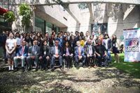 En la imagen, autoridades del sectores de Educación y de Ciencia y Tecnología, así como los ganadores del XV Concurso