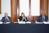 Clayton D. Mote Jr., Marcia McNutt, y Victor Dzau, presidentes respectivamente de las Academias de Ingeniería, Ciencias y Medicina, de Estados Unidos, durante el intercambio de ideas y propuestas en la Segunda Reunión Bilateral de las academias de ese país y México.