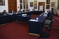 Presidentes de las Academias de Ciencias, Ingeniería y Medicina de Estados Unidos y México durante la Segunda Reunión Bilateral, en el Salón de Rectores del Palacio de Minería, sede de la Academia de Ingeniería de México.