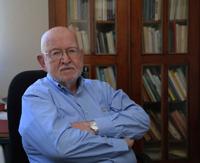 Doctor William Folan Higgins, director y fundador del Centro de Investigaciones Históricas y Sociales de la Universidad Autónoma de Campeche.