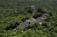 Calakmul (en Campeche), representó un sitio de suma importancia entre los poblados del sureste de la cultura maya. En 2015 recibió de la Unesco el certificado de Patrimonio Mundial Mixto de México.