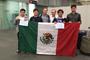 La delegación mexicana que participó en la 49ª Olimpiada Internacional de Química Tailandia 2017, integrada por los estudiantes Alejandro Balderrama, Trinidad Rico y Alejandro Ponce, de Michoacán; Brayan Ramírez, de Sonora, y los integrantes del comité organizador de la Olimpiada Nacional de Química, Mauricio Castro y Octavio Reyes.