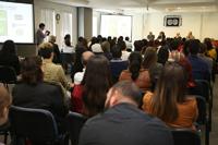 Estudiantes e investigadores en la presentación del libro de la Red Mexicana de Virología.