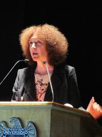 La doctora Julia Tagüeña Parga, directora adjunta de Desarrollo Científico del Conacyt e integrante de la Academia Mexicana de Ciencias, durante su intervención.