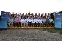 Foto de grupo de los participantes en el evento Construyendo el futuro - Encuentros de Ciencia, durante su visita al Parque Científico y Tecnológico de Yucatán.