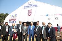 Autoridades y representantes de diferentes instituciones acompañaron al doctor Enrique Cabrero, director del Conacyt, en la inauguración de la XXV Semana Nacional de Ciencia y Tecnología.