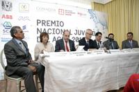 Presídium para la ceremonia de premiación del PNJA  en su edición 2016: Julio Valdivieso, María Luisa Torregrosa, Roberto Ramírez de la Parra, Jörgen Persson, Jaime Urrutia, Jesús Galindo Mancilla y Gerardo González Rivero.