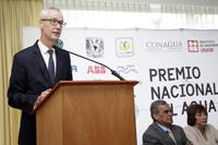 Jörgen Persson, embajador de Suecia en México, en la ceremonia en la que se hizo entrega de los premios a los tres primeros lugares y mención honorífica del PNJA 2016.