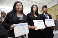 Yessica Hernández Ríos y Yordi Cruz Guatemala junto con su asesora Angelina López Tolentino, obtuvieron mención honorífica.