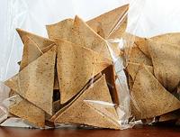 Galleta salada de frijol común (Phaseolus vulgaris L.) y avena. Producto patentado que forma parte de una línea de alimentos de la Facultad de Química de la Universidad Autónoma de Querétaro.