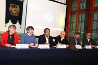 En la presentación de la Noche de las Estrellas 2015 participaron Annie Marchegay, de la embajada de Francia; William Lee y José Franco, secretario y expresidente de la AMC, respectivamente; Reynold Farrera, del Centro de Difusión y Tecnología del IPN; Marc Cerdan, delegado nacional de la Alianza Francesas en México; y Carlos Duarte, de la Agencia Espacial Mexicana.
