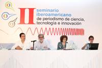 Las reformas permitirán el acceso abierto a la información para acrecentar la cultura científica de la sociedad. En la imagen, Sergio Carrera, Javier Flores, Julia Tagüeña y Ambrosio Velasco.