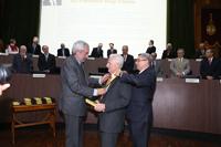 El doctor Francisco Biagi recibió la medalla