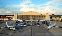 Aviones de la Administración Nacional Oceánica y Atmosférica de los Estados Unidos (NOAA, por sus siglas en inglés) en la Base Aérea MacDill en Tampa, Florida.