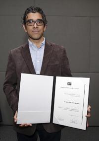 Doctor Andrew Boni Noguez, Premio a mejores tesis de doctorado de la Academia en Ciencias Sociales y Humanidades 2015.