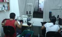 Miles de talleres de costura diseminados en la capital de Sao Paulo, en Brasil, donde trabajan costureros y costureras bolivianos en condiciones laborales de desigualdad, son los que surten a la industria brasileña de la moda.
