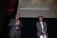 Los doctores Arturo Menchaca y Jaime Urrutia, expresidente y presidente de la Academia Mexicana de Ciencias, respectivamente, en el cierre de la Reunión General de la AMC, Ciencia y Humanismo II.
