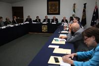 Asistentes al evento conmemorativo de los 50 años de relaciones diplomáticas México y Australia.