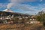 La Monografía del mapa de peligros del Volcán Popocatépetl es un análisis de 25 km alrededor del volcán en donde se encuentran habitando 360 mil 161 personas; 35 mil de estas son adultos de la tercera edad y todos habitan 105 mil 305 viviendas, con una infraestructura pública de 131 centros de salud, 850 escuelas, 92 mercados, 61 hoteles,  57 bancos y 25 gasolineras.
