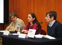 Los investigadores Jorge Zavala, Rosario romero y Arturo Quintanar,del Centro de Ciencias de la Atmósfera, en conferencia de prensa en el Auditorio Tlayolotl del Instituto de Geofísica, en Ciudad Universitaria.