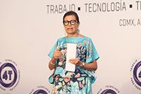 Los jóvenes mexicanos entre 16 y 24 años se ubican mejor en cuanto al uso de la Internet, pero solo 25% de las personas entre 55 y 74 años lo utilizan, un dato que para la directora general de la OCDE, Gabriela Ramos Patiño, es un desafío, porque la revolución digital no solo debe ser para las generaciones que vienen, sino para todos los que tienen que estar involucrados y forman parte del campo laboral.