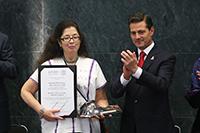 Doctora Mónica Alicia Clapp Jiménez, Premio Nacional de Ciencias 2018 en el campo Ciencias Físico-Matemáticas y Naturales.