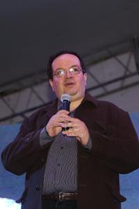 El secretario general de la UNAM, doctor Leonardo Lomelí Vanegas, fue el encargado de realizar la inauguración oficial de la séptima Noche de las Estrellas, en representación del rector Enrique Graue Wiechers.