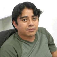 El químico Gabriel Merino Hernández, del Departamento de Física Aplicada en el Centro de Investigación y de Estudios Avanzados del IPN, Unidad Mérida, recibió en 2012 el Premio de Investigación de la Academia Mexicana de Ciencias, en ciencias exactas.