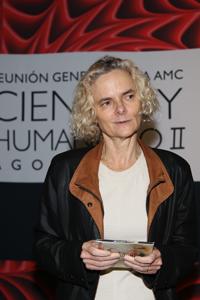 """La directora del Instituto Nacional sobre el Abuso de Drogas (NIDA, sus siglas en inglés), Nora Volkow, participó con la plenaria """"¿Qué sabemos de la adicción?"""", en el marco de la Reunión General de la AMC Ciencia y Humanismo II."""