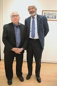 El sociólogo Manuel Castells y el físico José Luis Morán, miembro correspondiente y presidente de la Academia Mexicana de Ciencias, respectivamente.
