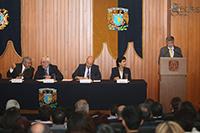Presidieron la ceremonia del 70 aniversario del Instituto de Geofísica de la UNAM (izq a der): Hugo Delgado Granados, Enrique Graue Wiechers, David León Romero, Flor de María Harp y William Lee.